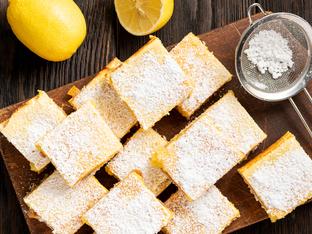 Маслен сладкиш с лимонов крем
