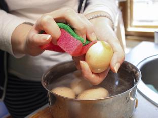 Как да избелите кафяви яйца за лесно боядисване за Великден?