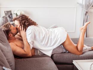 Как да правите страхотен секс по време на цикъл