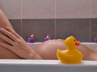 Безопасни ли са горещата вана и сауната за бременни?