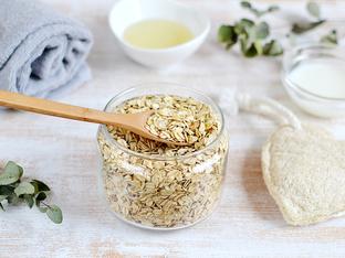 Защо ваната с овесени ядки е полезна за кожата и здравето