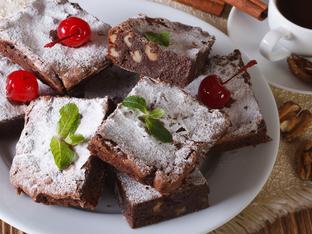 Шоколадов фъдж с череши без печене