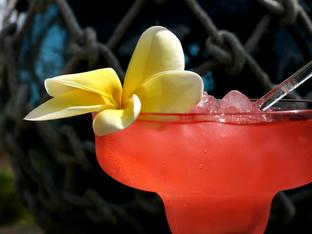 Летен коктейл с праскова и водка