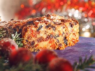 Коледен кекс с череши и стафиди