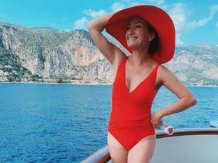 68-годишната Джейн Сиймур изглежда възхитително по бански
