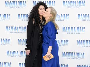Вижте ослепителните Шер и Мерил Стрийп на премиерата на Mamma Mia! Отново заедно