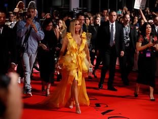 Дженифър Лопес събра погледите на премиерата на новия си филм