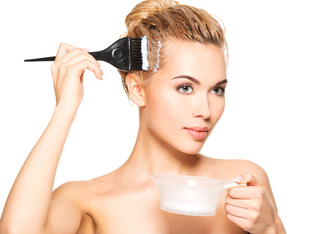 Как да премахнете петна от боя за коса по кожата?