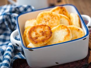 Солени мекици със сирене