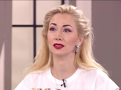 На 44 години Нети открива, че има сестра – водещата Алекс Кръстева