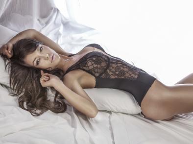 Изборът й на бельо разкрива каква е в леглото