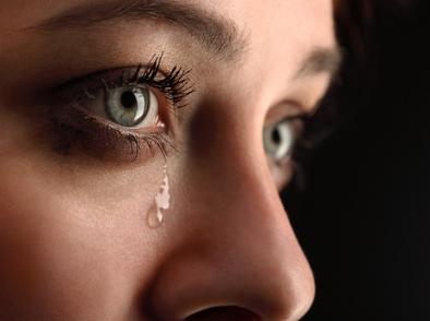Тежките последици от връзка с емоционален насилник