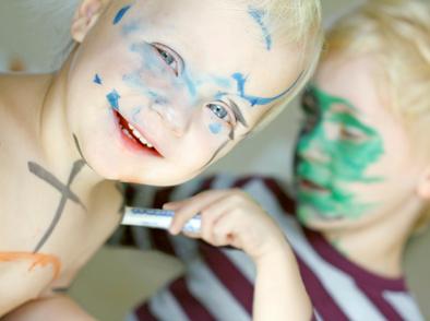 Как да изчистим петна от маркер и флумастер?