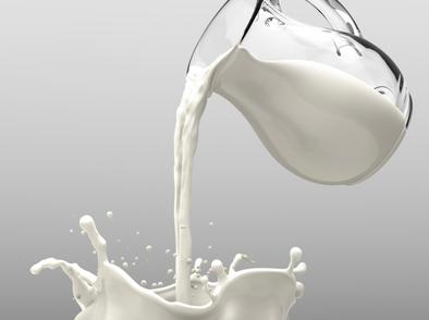 Защо възрастните не трябва да консумират прясно мляко?