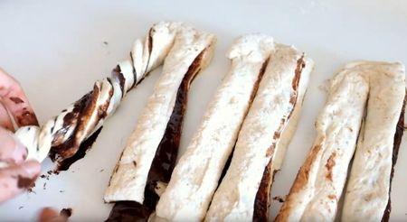 Куличи с шоколадом и орехами