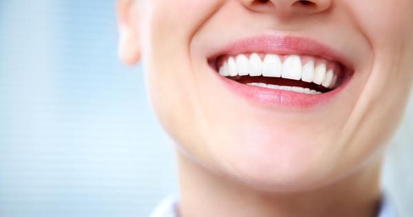 Снимка: 3 суперхрани за здрави и бели зъби