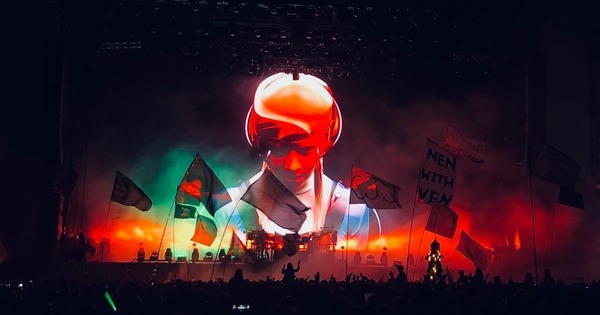 Снимка: Медии за шоуто на The Chemical Brothers: няма по-велик лайв денс спектакъл