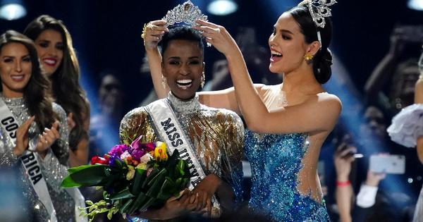 """26-годишната Зозибини Тунзи, която носи титлата """"Мис Южна Африка"""" се"""