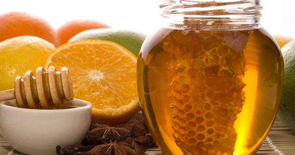 Медът е може би най-полезният натурален продукт. Той е не