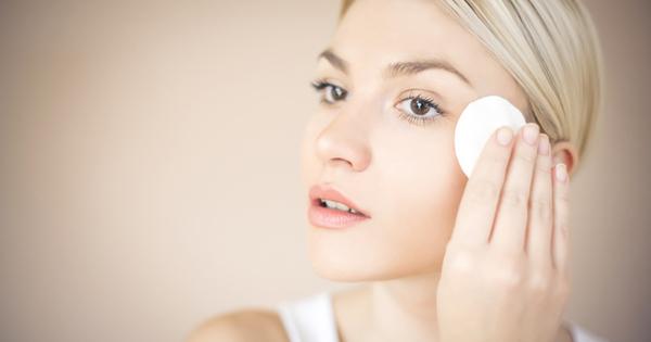 Употребата на козметични продукти разкрасява кожата и я прави по-млада