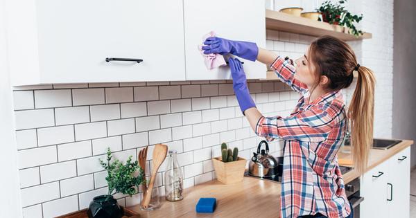 Снимка: Повърхности, които никога да не почиствате с оцет