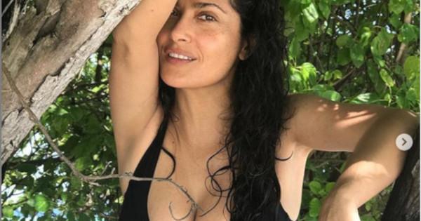 Снимка: Салма Хайек – прелестна и на 52 години