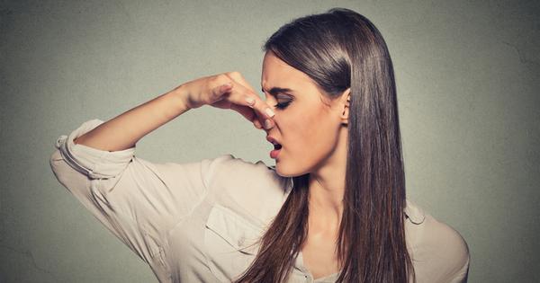 Знаете ли, че напуканите устни не се дължат само на