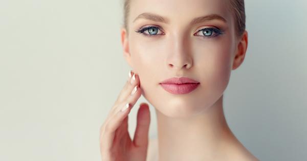 Един от най-често пропусканите продукти в грижата за кожата е