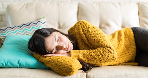 Когато не сте се наспали достатъчно, следобедната дрямка ще ви