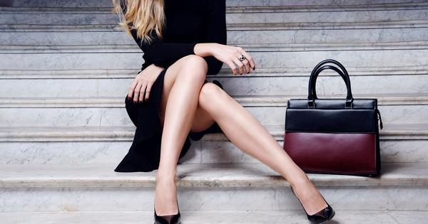 Дамската чанта е задължителен аксесоар от визията на всяка жена.