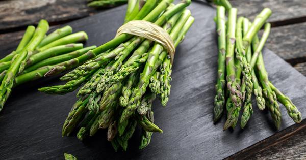 Снимка: 5 мощни здравословни ползи от аспержите