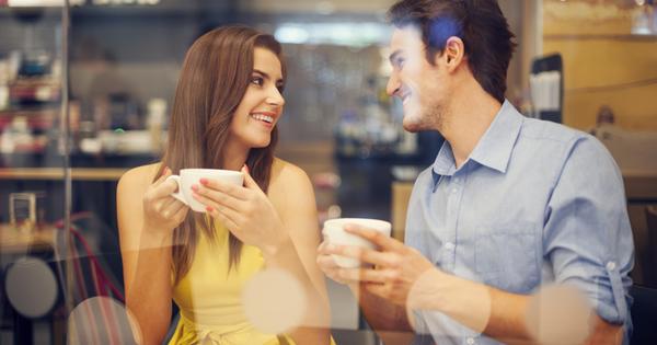 Флиртът и играта са част от любовните взаимоотношения. Те добавят