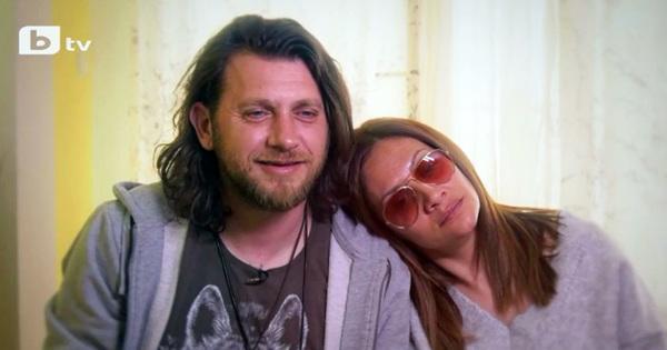 Семейството на поппевицата Мариана Попова и актьора Веселин Плачков се