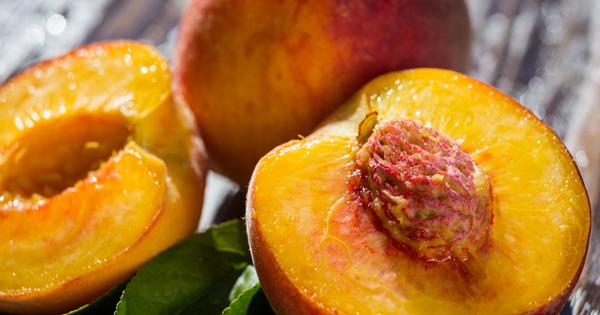 Прасковите са един от най-вкусните, сладки и сочни плодове, които