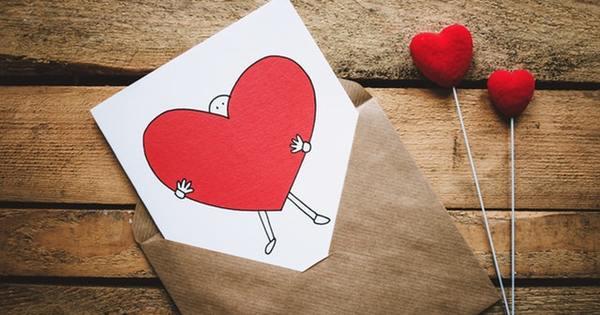 """""""Най-болезненото нещо е да изгубиш себе си докато обичаш някой"""