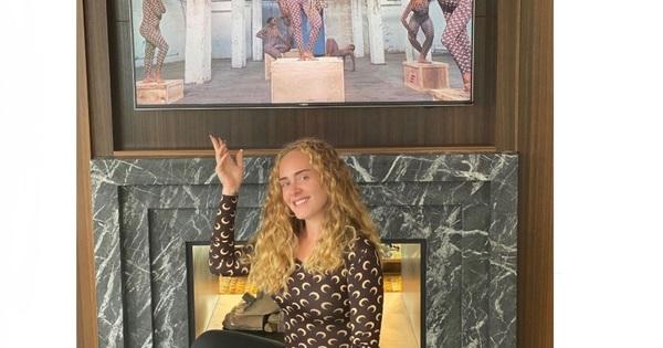 Певицата Адел (32) продължава да смайва с промените във външния