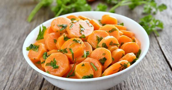 Морковите са много полезен кореноплоден зеленчук. Те са невероятен източник