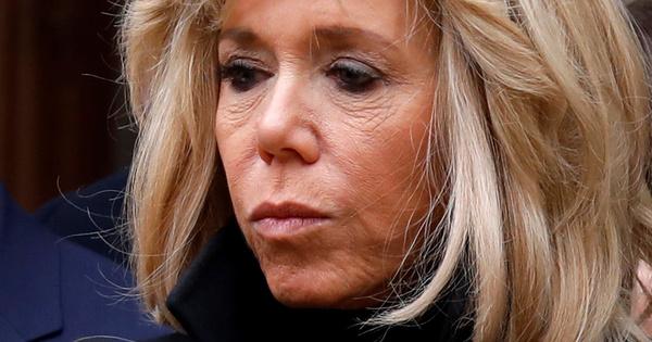 Брижит Макрон, съпругата на френския президент Еманюел Макрон, се е
