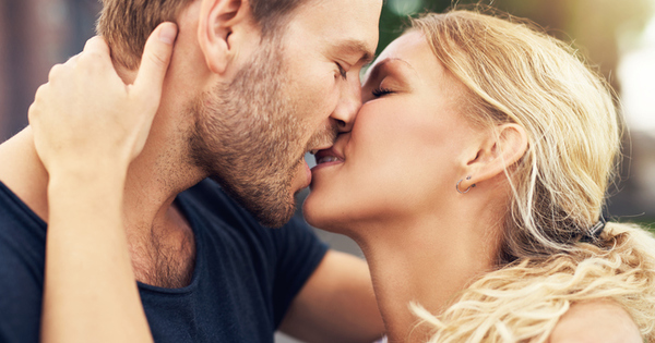 Целуването е не просто приятно. То е начинът, по който