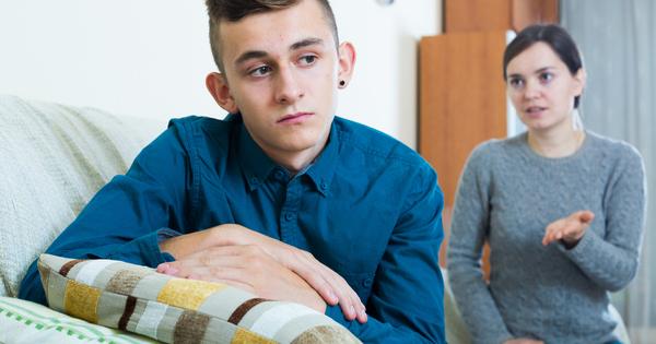 Да живееш с тийнейджър под един покрив може да бъде