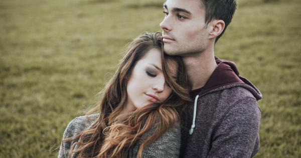Първата любов не се забравя. Всеки си спомня първите любовни