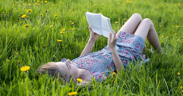 Лятната ваканция е прекрасно време да се насладим на книгите