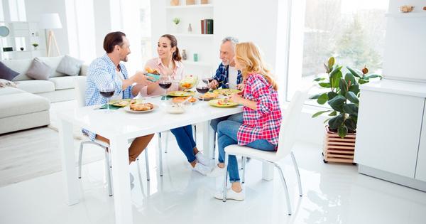 Снимка: 7 начина да впечатлите родителите на приятеля си