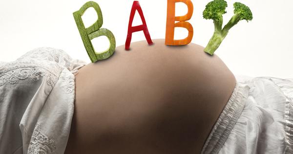 Здравословното хранене по време на бременността е жизненоважно за правилното