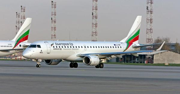 """Националният превозвач """"България Еър"""" продължава да възстановява полетното си разписание,"""