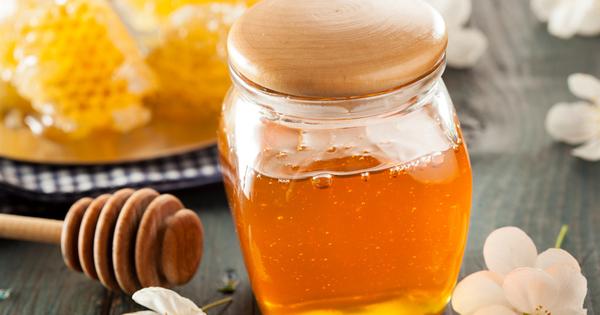 Медът е, може би, един от най-полезните натурални продукти. Той