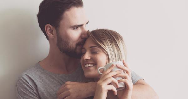Обичта се изразява с действия. Думите са важни, но показването
