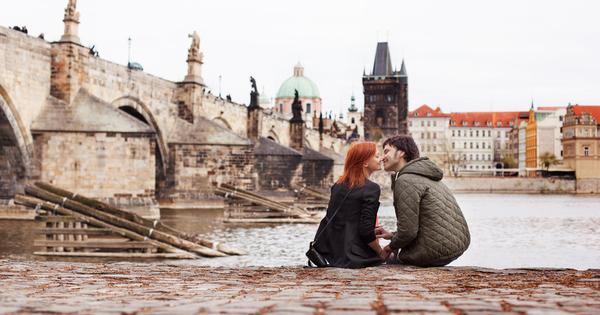 С мразовития месец февруари идва и бленуваният от всички влюбени