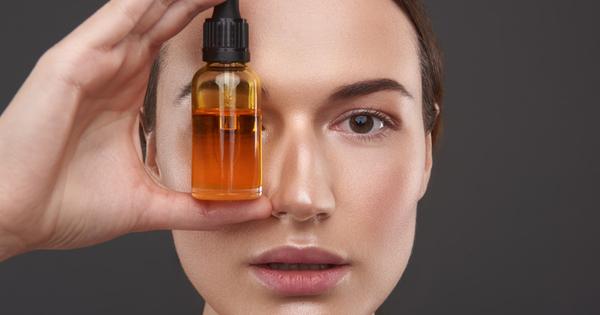 Мазната кожа много често е и склонна към акне. Ключов