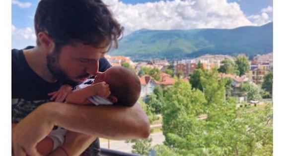 Ралица Паскалева и Теодор Салпаров станаха родители на прекрасно момченце